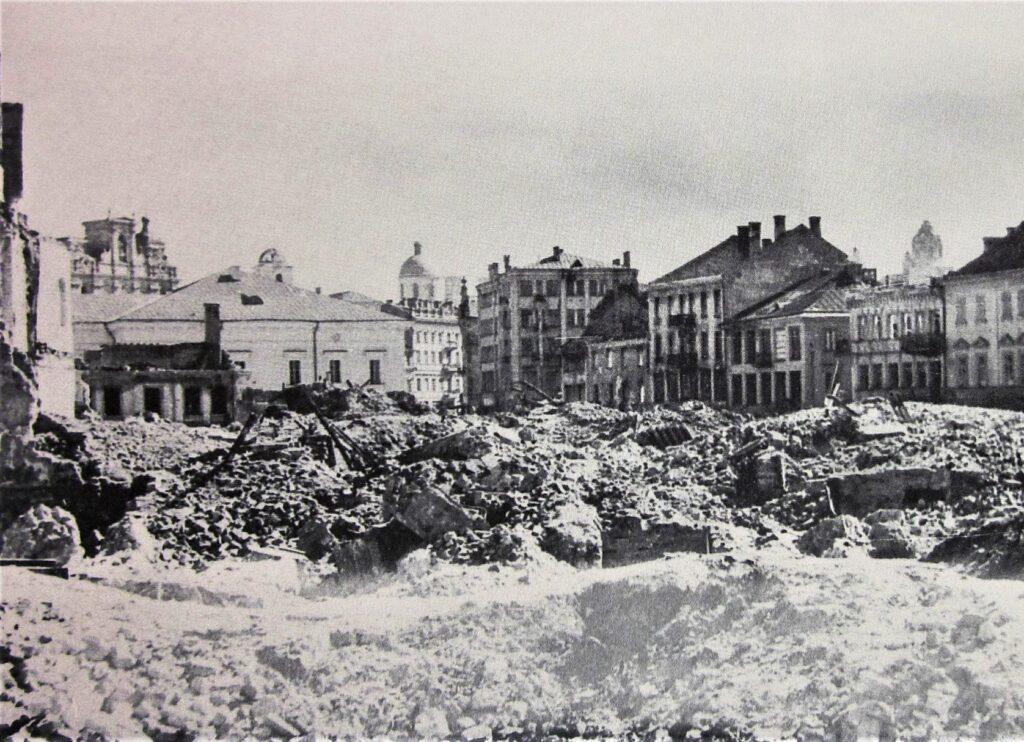 Vilnius. XX a. 5 dešimtmečio pabaigoje sugriauto Vokiečių gatvės ir Žydų kvartalo vaizdas, apie 1949-1950 m_