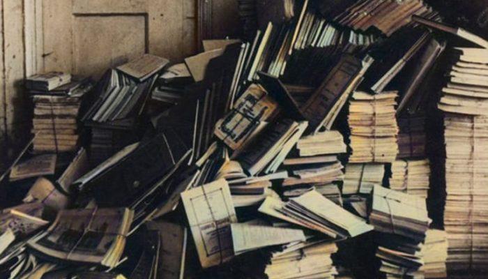 Sovietmečiu iš Šlapelių knygyno Knygų rūmai perėmė apie 10 tūkst. leidinių. Dėl to jie tapo viena didžiausių senosios spaudos saugyklų Lietuvoje_